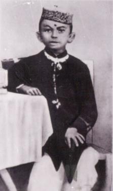 Young_Gandhi2