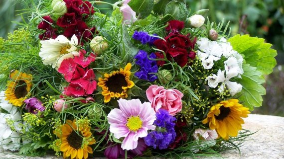 1041154__colorful-bouquets_p
