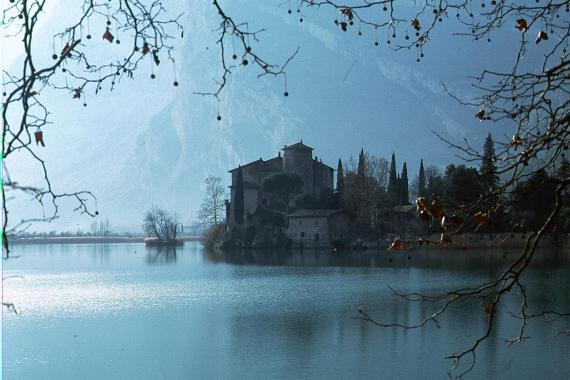 4d243a04144cd_trento-lago-di-garda-castello